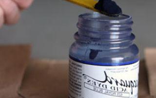 Чем можно покрасить капроновые колготки?