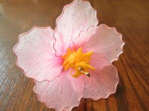 цветок из капрона